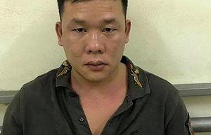 Tên cướp liều lĩnh lao xe vào chiến sỹ công an để cướp lại ba lô