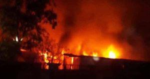 Hà Nội: Cháy lớn trong đêm thiêu rụi 3 cửa hàng, thiệt hại ước 1 tỷ đồng