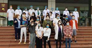 NÓNG: Bệnh nhân 17 cùng 26 bệnh nhân Covid-19 được công bố khỏi bệnh sáng nay