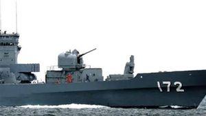 Khu trục hạm Nhật bị thủng vì va chạm...tàu cá Trung Quốc
