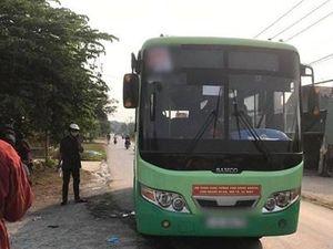 Nữ nhân viên xe buýt bị đâm tử vong: Tài xế thoát hiểm trong gang tấc