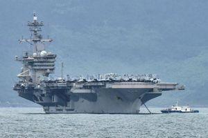 Vì sao Mỹ không sơ tán thủy thủ mắc Covid-19 trên tàu sân bay?