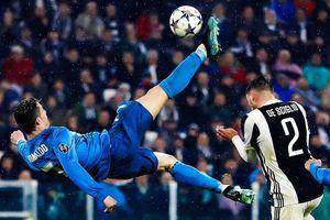 Tròn 2 năm Ronaldo 'ngả bàn đèn' khiến CĐV đối thủ vỗ tay