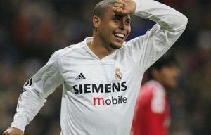 Ronaldo 'béo' và bàn thắng may mắn trong sự nghiệp