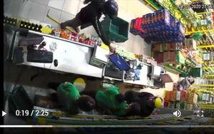 TP. Hồ Chí Minh: Bắt 3 người cướp cửa hàng Bách Hóa Xanh