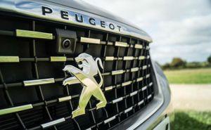 Bảng giá xe Peugeot mới nhất tháng 4/2020: Traveller Premium niêm yết 2,249 tỷ, khuyến mãi 50 triệu đồng