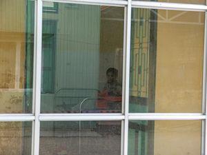 Bé gái 2,9 kg chào đời trong khu cách ly ở Huế