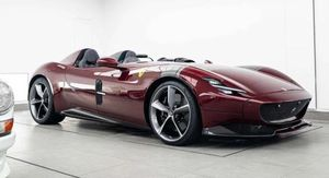 Ferrari Monza SP2 màu Dark Red hiếm gặp cực ấn tượng