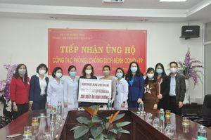 Công đoàn ngành Y tế - Hội Chữ thập đỏ tỉnh: Thăm y, bác sĩ nơi tuyến đầu chống dịch