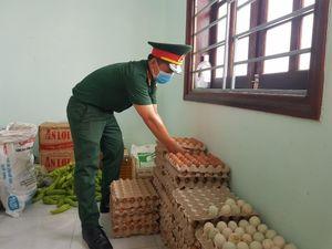 Dân Quảng Nam góp từng mớ rau, quả bí chống dịch COVID-19