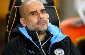 Pep Guardiola được khuyên mạnh tay trừng phạt Walker