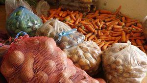 Sơn Tây: Nông dân ủng hộ 2 tấn rau quả cho lực lượng tuyến đầu chống dịch