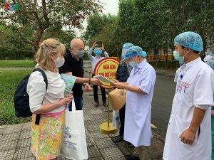 Thêm 2 bệnh nhân mắc Covid-19 tại Huế xuất viện