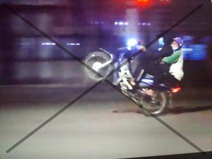 Chủ tịch Hà Nội chỉ đạo điều tra, xử lý nghiêm hành vi tụ tập đua xe ở hồ Gươm đêm 8-4