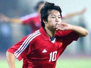 Văn Quyến ở đâu trong lịch sử bóng đá Việt Nam?