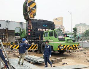Công trường giao thông hối hả thi công sau khi dỡ lệnh 'đóng cửa'