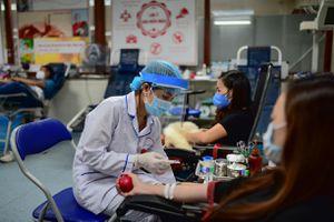 Dịch COVID-19: Các cách hiến máu an toàn
