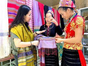 Con Cuông, Nghệ An: Hồi sinh thổ cẩm bản Xiềng