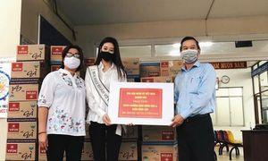 Hoa hậu Khánh Vân tặng 200 phần quà cho người dân gặp khó