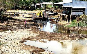 Giải pháp giữ nước sông, ngăn thủy triều xâm nhập mặn