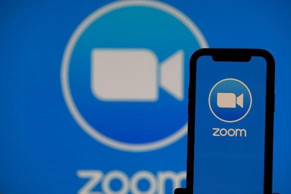 Zoom 'sụp đổ' chỉ trong 2 tuần