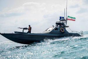 Nóng: Xuồng cao tốc Iran cậy đông áp sát tàu chiến Hải quân Mỹ