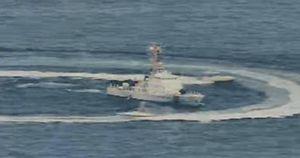 Tàu chiến Mỹ bị 11 tàu Iran uy hiếp trên Vịnh Ba Tư