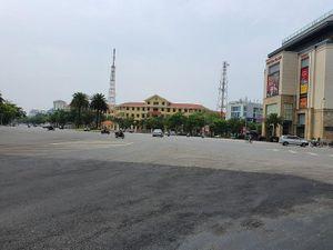 Hết hạn cách ly xã hội, đường phố Huế vẫn vắng bóng người