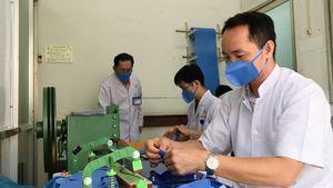 Bác sĩ BV Thống Nhất TPHCM tự sản xuất 3.000 khẩu trang kháng khuẩn mỗi ngày
