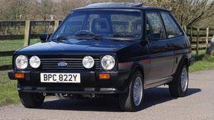 Chiếc Ford Fiesta được phục chế từ đống sắt vụn có giá 645 triệu đồng