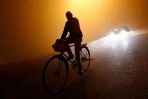 Đạp xe gần nghìn cây số về nhà làm lễ cưới, chàng trai Ấn Độ phải cách ly