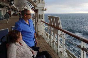 72 ngày 'hành xác' của vợ chồng Anh lênh đênh trên biển vì Covid-19