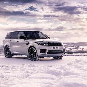 Hàng loạt xe Land Rover mới chuẩn bị bàn giao cho khách hàng Việt