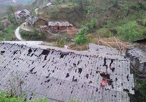 Hãi hùng cảnh tượng mưa đá như 'dội bom' ở Lai Châu