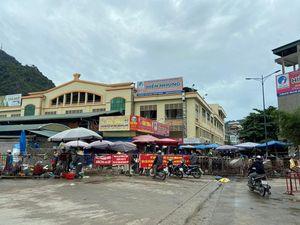 TP Hạ Long: Chợ, trung tâm thương mại vẫn siết chặt công tác phòng, chống dịch