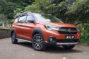 Giá lăn bánh Suzuki XL7 đẹp mê ly, đối thủ của Mitsubishi Xpander Cross