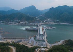 Ngưng nhiều dự án thủy điện trên sông Mekong vì Covid-19
