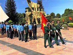 Truy điệu, an táng 13 hài cốt liệt sĩ hy sinh tại Campuchia