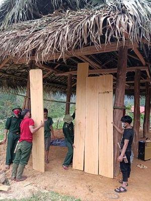Giúp hộ dân bị hỏa hoạn dựng lại nhà mới