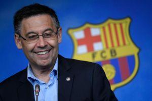 Chủ tịch Barca tiếp tục bị kiện