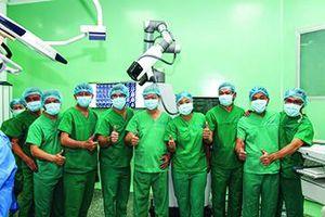 Bác sỹ…robot