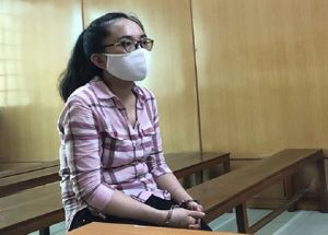 Nữ sinh viên trường y mua bán hàng cấm lãnh 20 năm tù