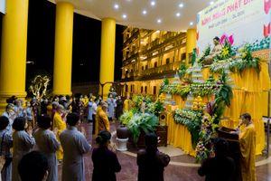 Học viện Phật giáo Việt Nam cầu nguyện chống dịch COVID-19 trong Lễ Phật Đản