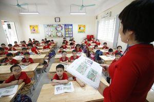 Chùm ảnh: Học sinh tiểu học, mầm non quận Thanh Xuân háo hức trở lại trường