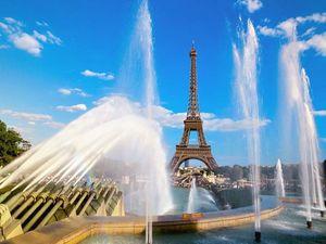 Vì sao dân Paris từng muốn phá tháp Eiffel bán sắt vụn?