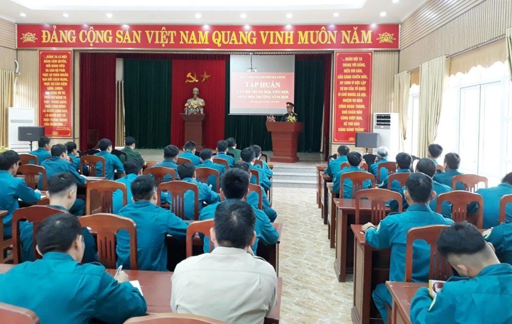 Tập huấn cho cán bộ trung đội, tiểu đội, khẩu đội trưởng dân quân năm 2020