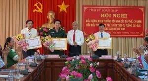 Biểu dương, khen thưởng các tập thể, cá nhân tiêu biểu trong học tập và làm theo tư tưởng, đạo đức, phong cách Hồ Chí Minh