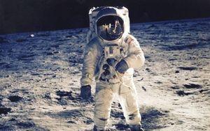 Lương của phi hành gia NASA là bao nhiêu?