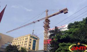 Cần cẩu tháp không phép của Tập đoàn Thái An bất chấp pháp luật 'lén lút' hoạt động