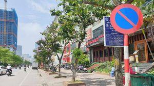 Hà Nội: Nhiều biển báo giao thông 'đánh đố' người đi đường